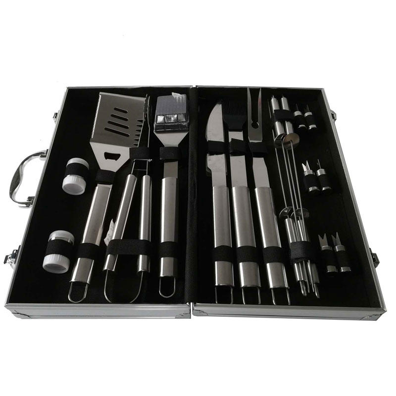 Aluminum Case 18pcs Stainless Steel Heat Resistance BBQ Tools Set