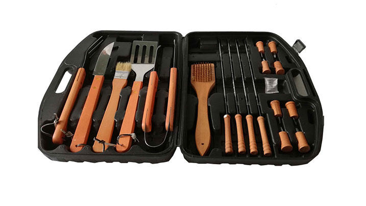 18pcs Wooden Handle BBQ Tools Set with Plastic Case