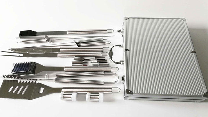 18pcs Stainless Steel BBQ Tools Set with Aluminum Case