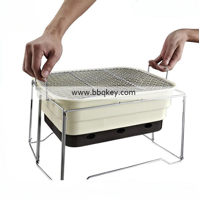 Outdoor Household Simple Folding Portable BBQ Grill Charcoal Grill For Wholesales